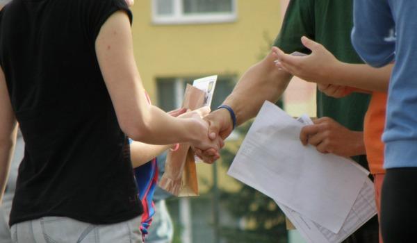handshakes-600-350
