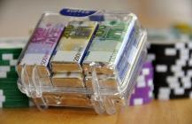 money-suitcase-217-140