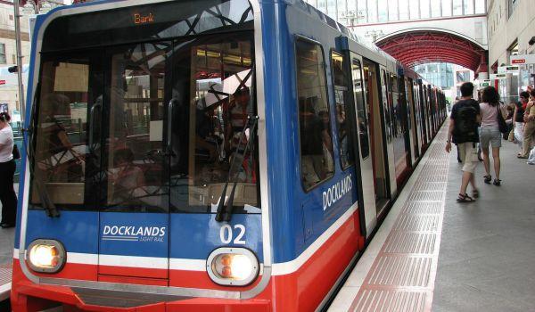 light-rail-car600-350