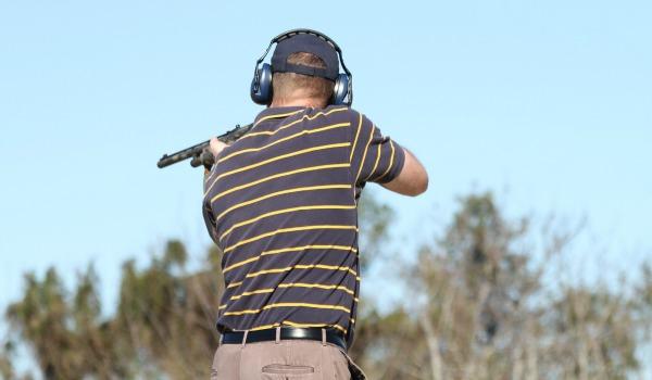 מה סוג ההכשרה שעובר מאבטח במסגרת תפקידו?